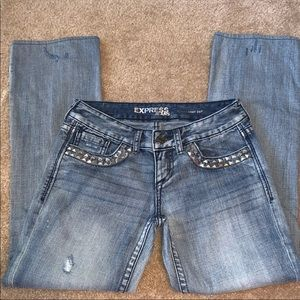 Size 0 Distressed jeans light wash